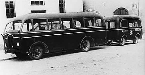 Busgespann in den 40er-jahren - Jägle-Bus